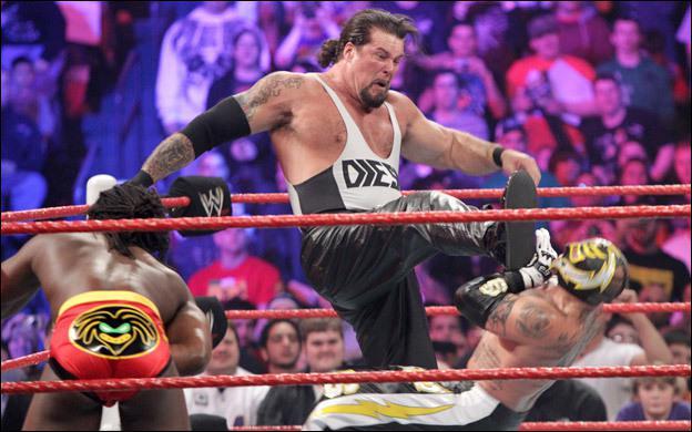 Qui est ce catcheur qui a fait un retour inattendu durant le Royal Rumble ?