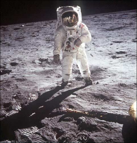Combien de fois l'homme a-t-il marché sur la Lune ?