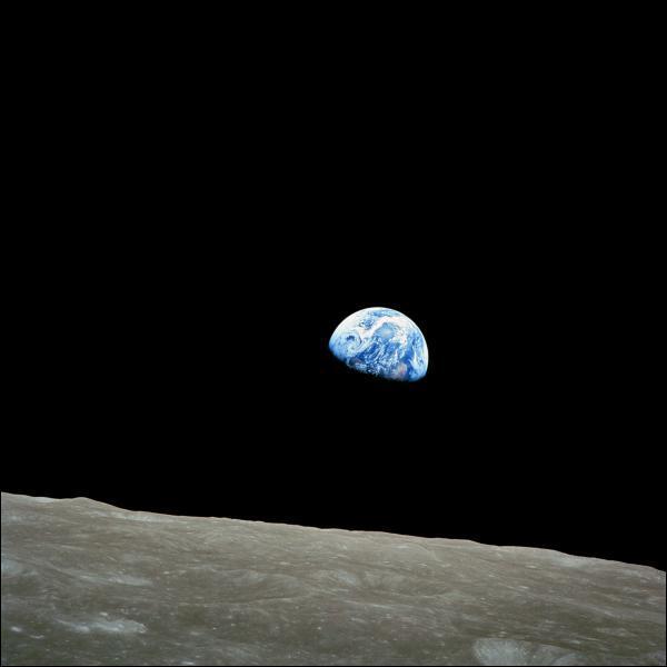 Laquelle de ces affirmations concernant la Lune est fausse.