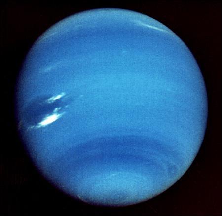A quelle distance de la Terre se situe Neptune ?
