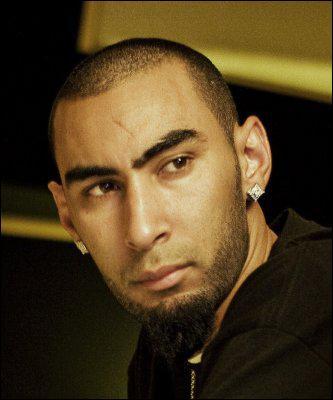Qui est ce rappeur d'origine marocaine, qui a chanté 'Rap inconscient', 'Ca fait mal' , 'Tous les mêmes', 'Mes repères', etc ?