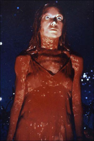 Qui a réalisé le cultissime 'Carrie au bal du diable' en 1976 ?