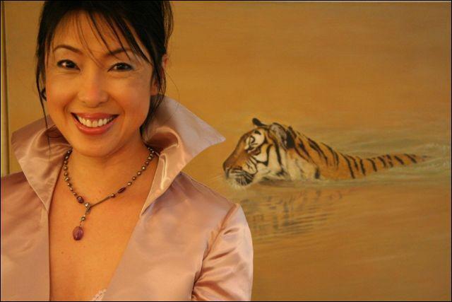 Elle mène un combat pour sauver les tigres de Chine en leur réapprenant la vie en liberté.