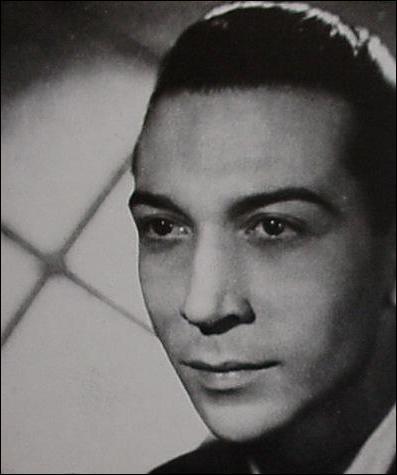 En 1958 , ' Dors mon Amour ' est interprété par :