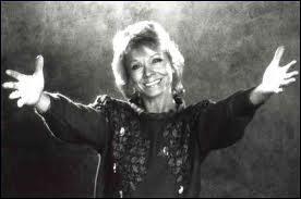 En 1962 , Isabelle Aubret chante :