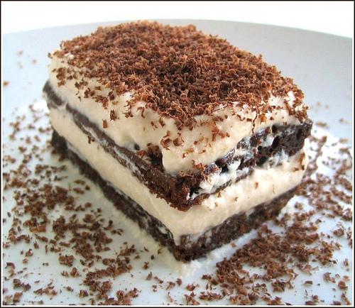 Quel est ce dessert d'origine italienne à base de mascarpone, de cacao et de café ?