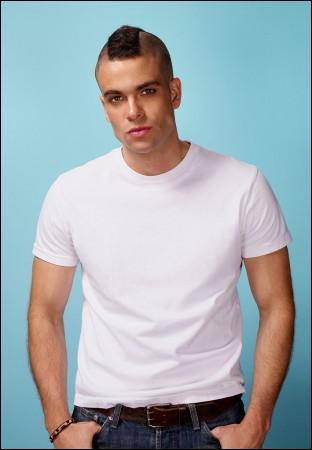 Quel est le surnom de ce garçon arrogant, joueur de football et membre du Glee club ?