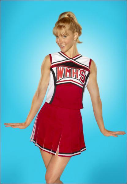 Comment s'appelle cette fille, cheerleader et membre du Glee club ?