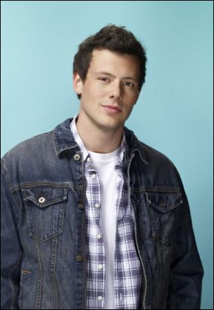 Quel est le nom de ce garçon, quaterback de l'équipe de football et membre du Glee club ?
