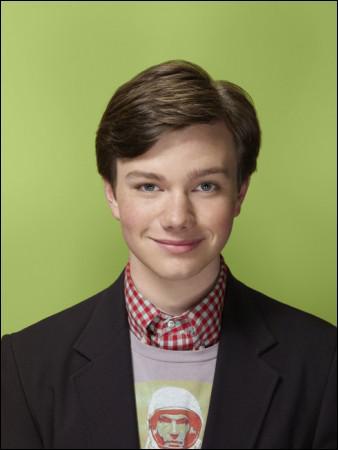 Quel est le nom de ce garçon homosexuel, membre du Glee club ?