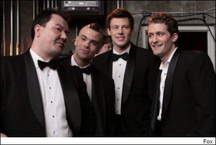 Quel nom porte le groupe uniquement formé de garçons et mené par Will au début de la saison 1 ?