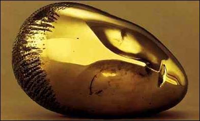 Réalisée en 1910, cette sculpture, où toute expression se dilue sous la forme ovale de la tête, est à l'origine le visage de la Baronne Frachon. Il s'agit de...