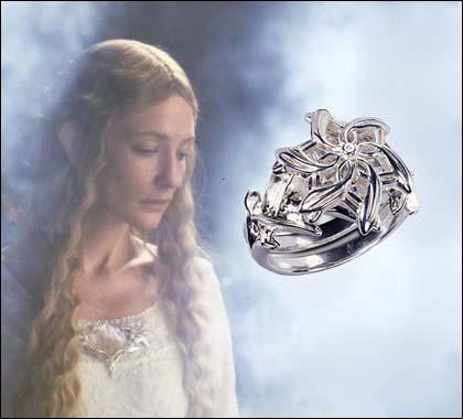 Comment se nomme l'anneau donné à Galadriel par Celebrimbor ?
