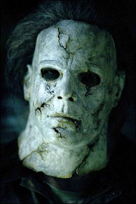 Dans quel film Michael Myers, un jeune psychopathe évadé d'un asile psychiatrique, sème des cadavres un jour de fête ?