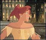 Qu'ouvre le pendentif que porte Anastasia ?
