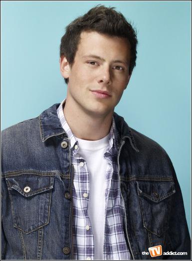 Comment Finn est-il entré au Glee club ?