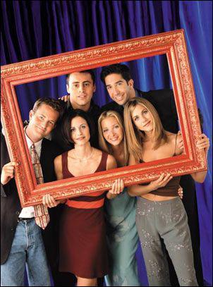 Dans le 1er épisode de la saison une, Ross arrive tout triste car sa femme la quitté. Il dit : J'aimerai me remarier la tout de suite. Puis Rachel arrive en robe de mariée. Que dit Chandler juste après ?