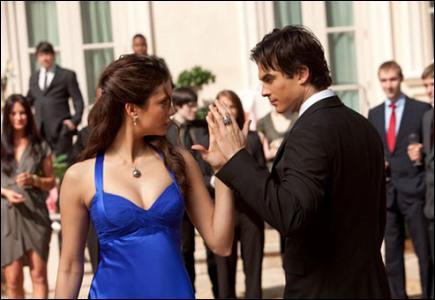 Dans quel épisode peut-on voir Damon et Elena danser ensemble ?