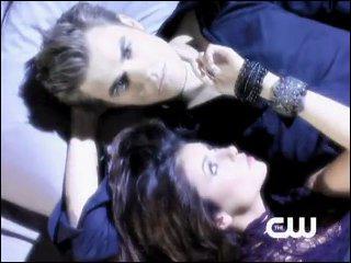 Où se rencontrent Stefan et Elena pour la première fois ? (Episode 1)