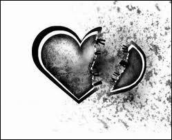 Dans les années 60 qui chantait 'oui mon amour est mort, oui j'aimerai encore' ?