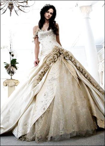 Que pense Bella de la robe de mariée qu'Alice lui a trouvée ?