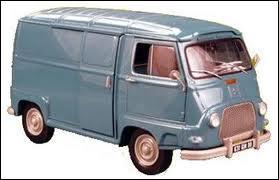 La non moins célèbre fourgonnette Renault ;