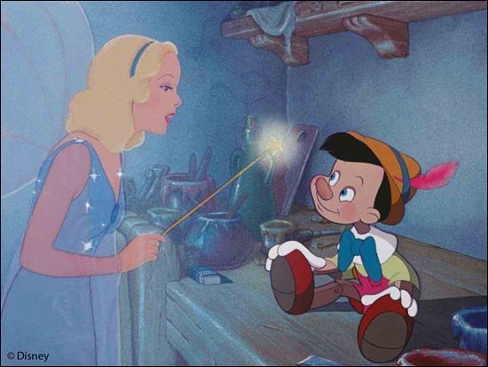 Quelle fée apparaît comme par enchantement depuis une étoile et donne la vie à un pantin de bois ?