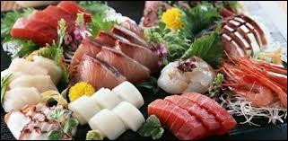 Je me souviens : c'était un endroit où on mangeait les meilleurs sashimi du Japon. Devant la façade du restaurant, quelqu'un a hurlé : ''ARRIVÉE ! ''