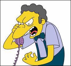 Qui fait tout les temps des blagues téléphoniques à Moe ?