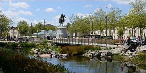 Dans quel département se trouve La Roche-sur-Yon ?
