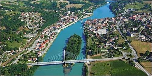 Quel grand fleuve français prend sa source en Suisse ?