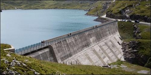 Combien y a-t-il de barrages en France environ ?