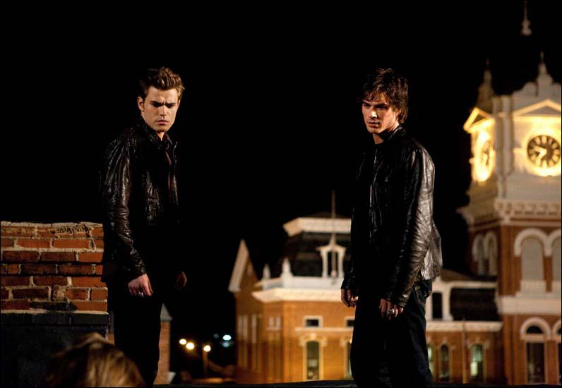 Quelle est la particularité des frères Salvatore ?
