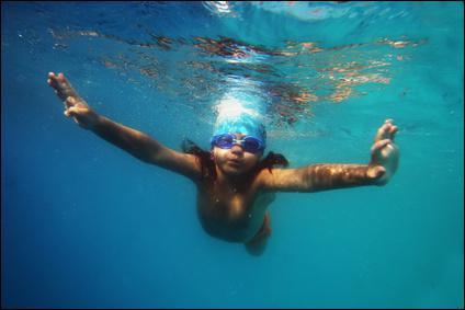 Depuis que ____ allons à la piscine, ____ n'ai plus peur de l'eau.