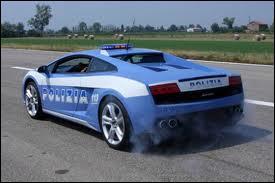 La Lamborghini Gallardo de la police...