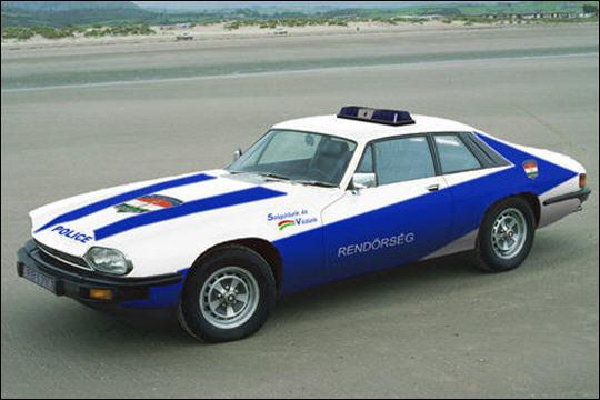 Dans les années 90, ce coupé Jaguar a équipé la police de...