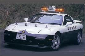 Cette belle Mazda RX-7 a longtemps équipé la police...