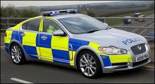 Cette Jaguar XF équipe la police des autoroutes...