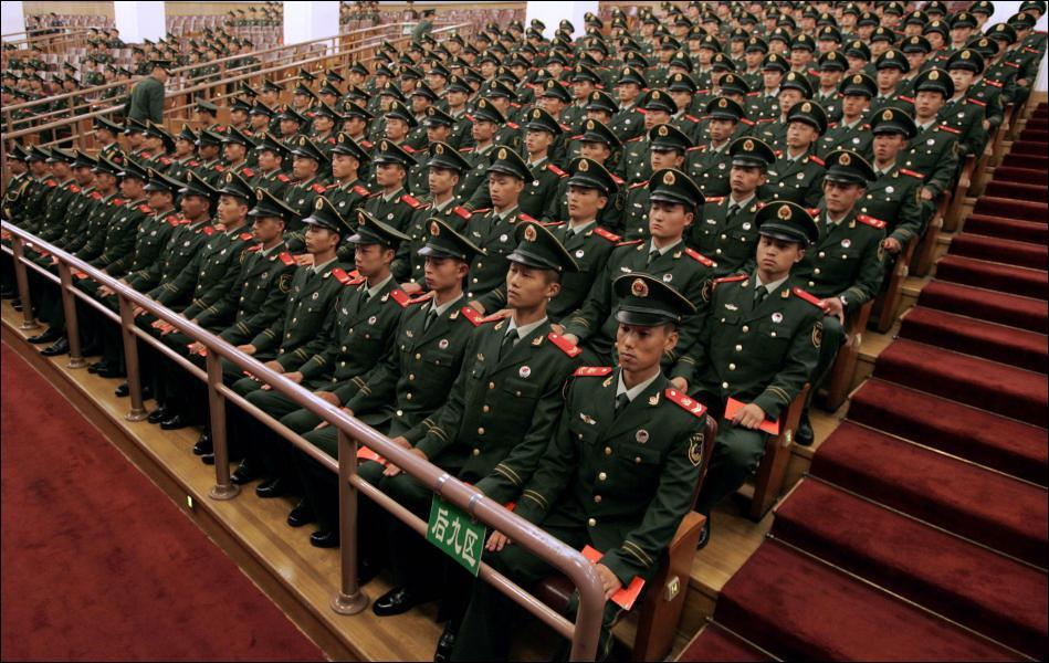 Combien d'hommes compte-t-on dans l'armée chinoise, qui est la plus grande du monde ?