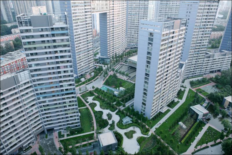 Combien y a-t-il d'habitants dans l'agglomération de Pékin, capitale de la Chine ?