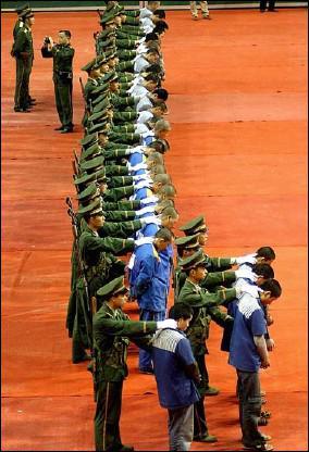 La Chine exécute plusieurs milliers de personnes chaque année. Quels sont les deux modes d'exécution ?