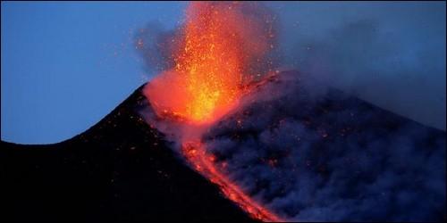 Quel est le plus grand volcan en activité d'Europe ?