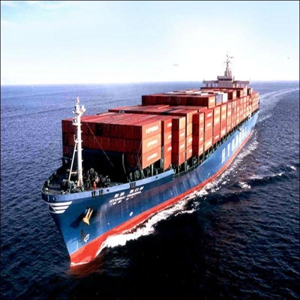 Quel est le rang de la Chine dans les exportations mondiales depuis 2010 ?
