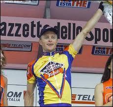 Vainqueur d'étape sur le tour d'Italie en 2000 ... .