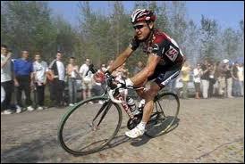 Premier australien vainqueur de Paris -Roubaix en 2007 ... .