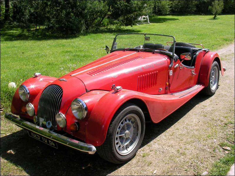 Parmi ces marques de voiture, une seule est encore anglaise; elle n'a pas transformé ses modèles d'origine. Il s'agit de... ?