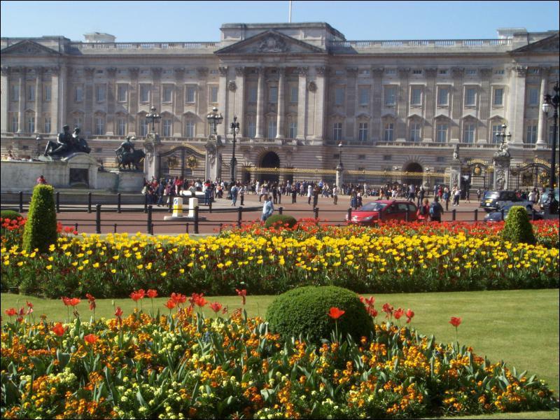 Quelle est la résidence principale de la famille royale ?