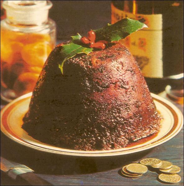 Quelle est la particularité du pudding anglais servi à Noël ?
