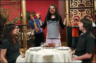 Pourquoi Alex est-elle couverte de chocolat ?