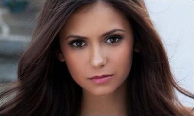 Qui sont les parents biologiques d'Elena ?